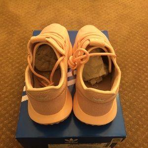 adidas Chaussure snoop smatchcourt taille poshmark mi - snoop Chaussure x gonzó   da6afd